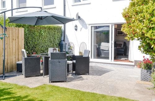 Last Minute Cottages - Lovely Barmouth Cottage S83751