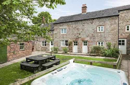 Last Minute Cottages - Gorgeous Leek Cottage S50586