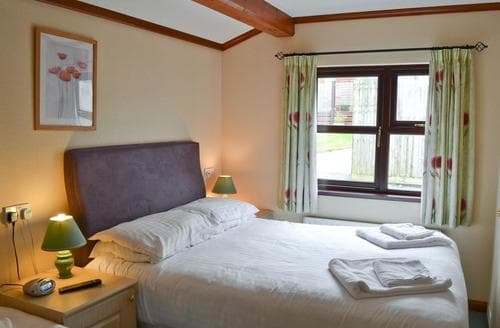 Last Minute Cottages - Stunning Looe Lodge S21025