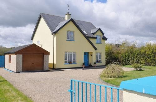 Last Minute Cottages - Moor House
