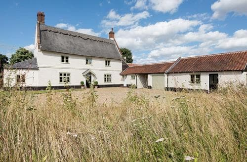 Last Minute Cottages - Three Horseshoes House