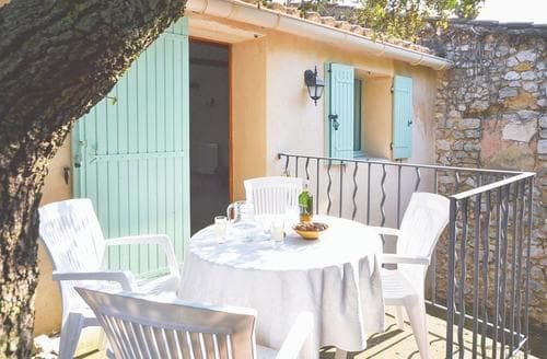 Last Minute Cottages - Captivating Carpentras Apartment S119182
