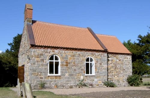 Last Minute Cottages - St Andrew's Church