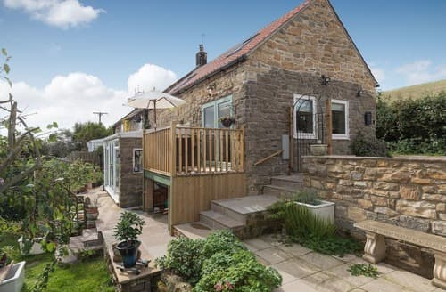 Last Minute Cottages - Wonderful Staithes Lodge S122445