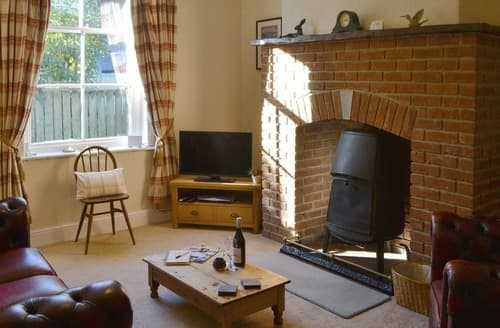 Last Minute Cottages - Excellent Warkworth Cottage S123590