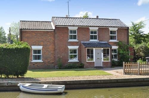 Big Cottages - Riverside