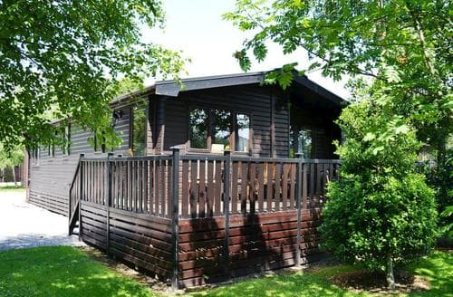 Last Minute Cottages - Whiteside Lodge at Burnside Park