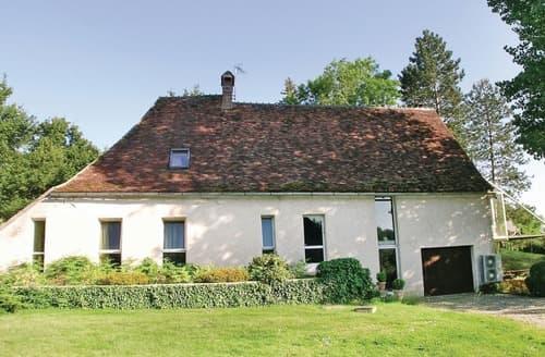 Last Minute Cottages - Le Moulin De St Georges