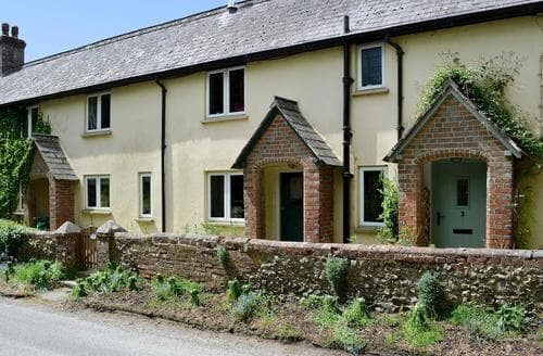Last Minute Cottages - Lovely Blandford Forum Cottage S81203