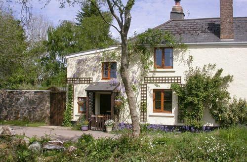 Last Minute Cottages - Little Moor Cottage