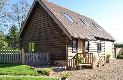 Dog Friendly Cottages - Delightful Battle Cottage S90699