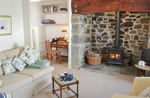 Last Minute Cottages - Exquisite Helston And The Lizard Peninsula Cottage S40965