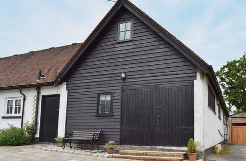 Dog Friendly Cottages - Excellent All Buckinghamshire Cottage S47355