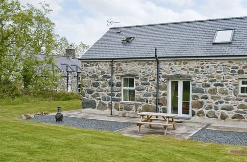 Last Minute Cottages - Attractive Pwllheli Cottage S37429