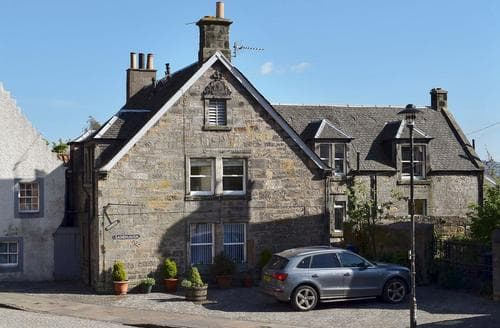 Last Minute Cottages - Charming St Andrews Apartment S79382