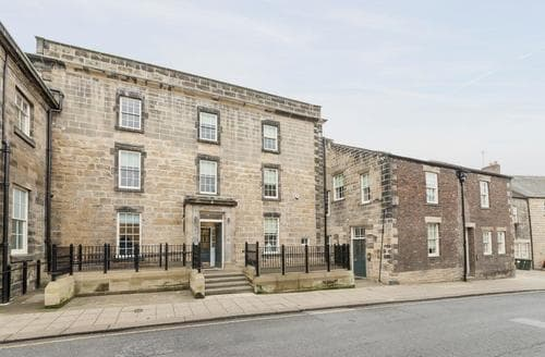 Last Minute Cottages - Hexham House Apartment 5 - UK3196