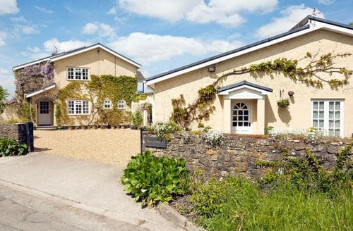 Last Minute Cottages - Gorgeous Cardiff Cottage S78335