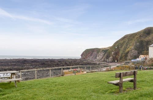 Last Minute Cottages - Seal View