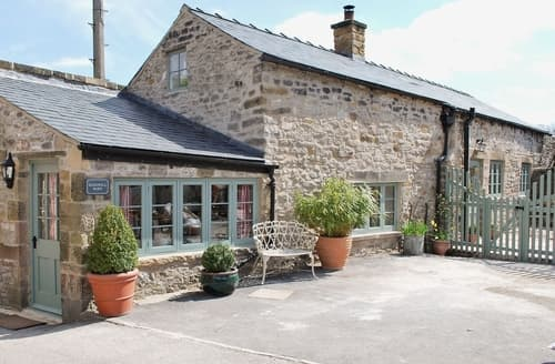 Last Minute Cottages - Lovely Bakewell Cottage S16476