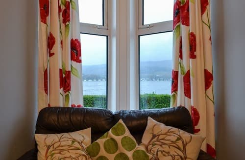 Last Minute Cottages - Loch View Apartment Kilmun