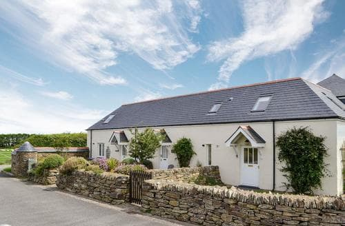 Last Minute Cottages - Tasteful Padstow Cottage S20650