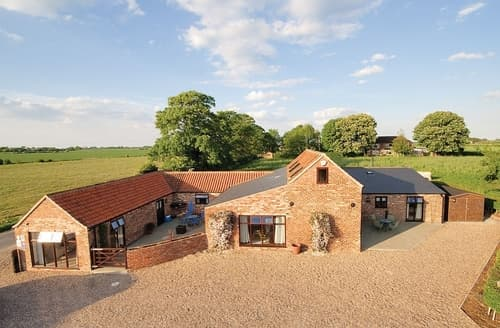 Last Minute Cottages - Plough Cottage