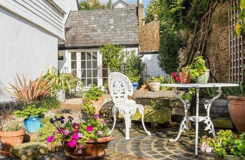 Last Minute Cottages - Stunning London Cottage S78471