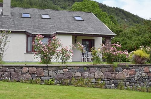 Last Minute Cottages - Loch Alsh Cottage - UVO