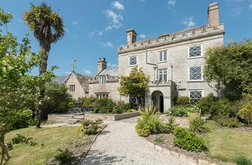 Last Minute Cottages - Newton Manor House