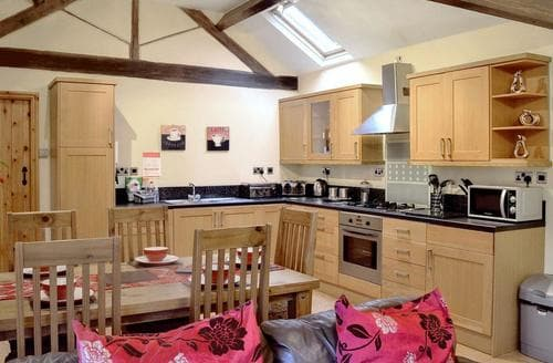 Big Cottages - Attractive Leek Cottage S45167