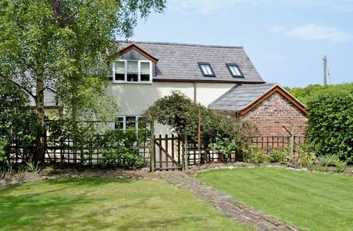 Last Minute Cottages - Woodhouse Cottage
