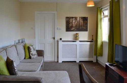 Last Minute Cottages - Tasteful Ilfracombe Lodge S19178