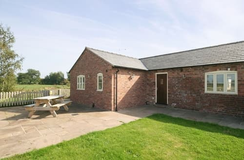Last Minute Cottages - Watermill Cottage