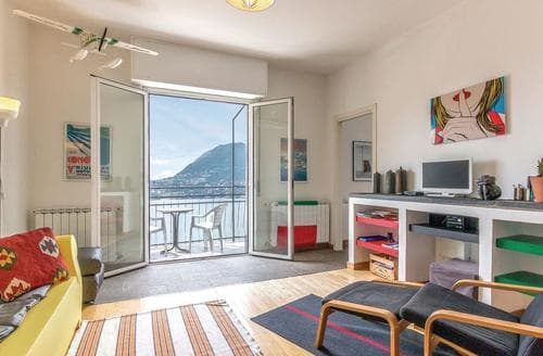 Last Minute Cottages - Inviting Lake Como Apartment S119546