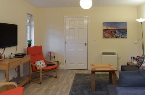 Last Minute Cottages - Delightful Ryde And Seaview Cottage S125648