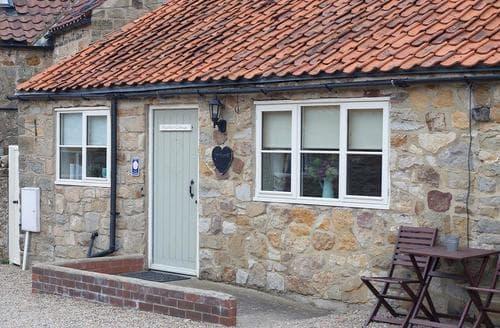 Last Minute Cottages - Heather Cottage