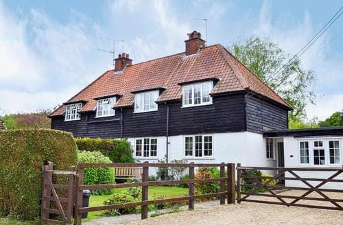 Last Minute Cottages - Attractive Burley Cottage S14084