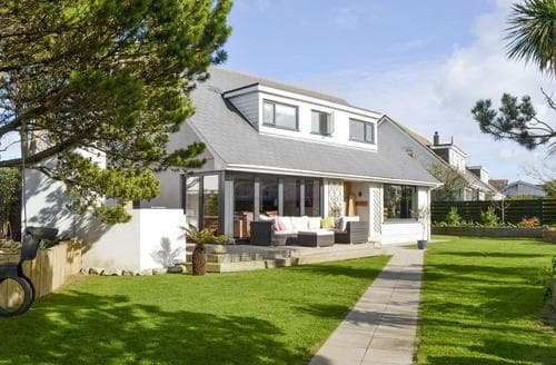 Last Minute Cottages - Stunning Newquay Apartment S78336