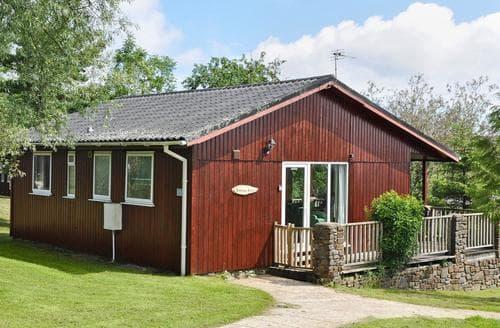 Last Minute Cottages - Adorable Hartland Lodge S92495