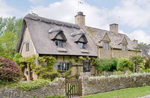 Last Minute Cottages - Charming Broadway Cottage S24480