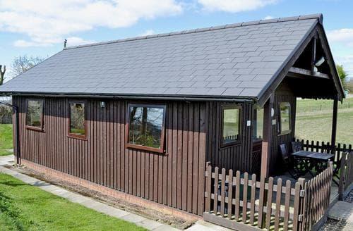 Last Minute Cottages - Finch Lodge - E4793