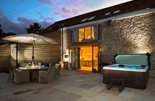 Last Minute Cottages - Chillcotts Barn
