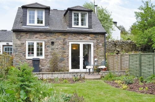 Last Minute Cottages - Cosy Duns Cottage S23756
