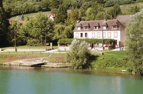 Last Minute Cottages - Maison de la Rivière 1