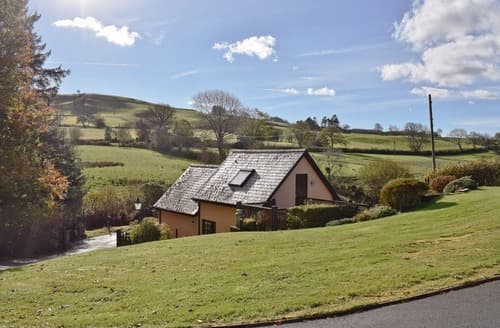 Last Minute Cottages - Dan Y Faen