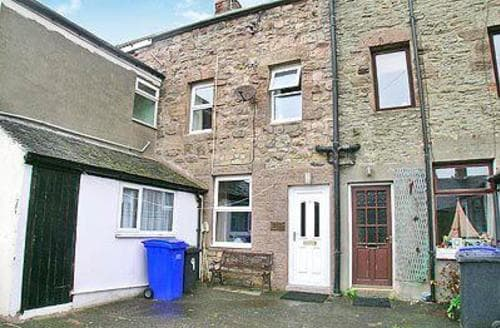 Last Minute Cottages - Lovely Seahouses Cottage S14683