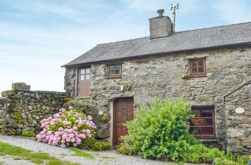 Last Minute Cottages - Ganny Cottage - LZL