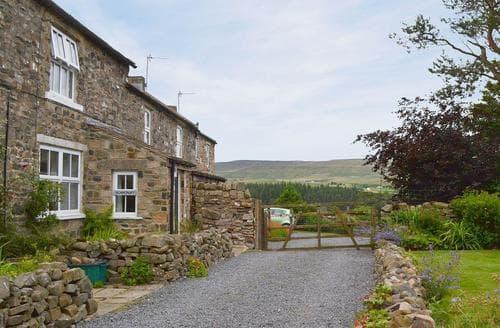 Last Minute Cottages - Scarcroft Cottage