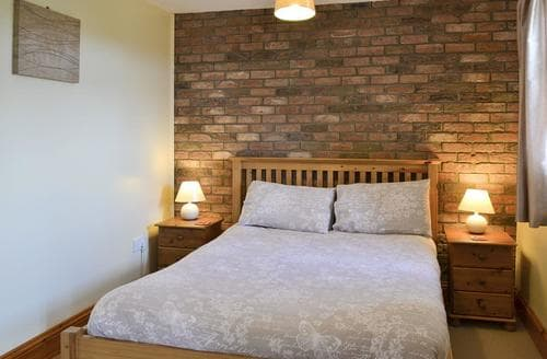 Last Minute Cottages - Inviting Filey Cottage S15050