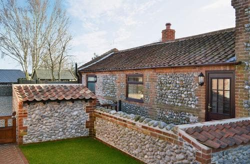 Last Minute Cottages - Smithy Cottage